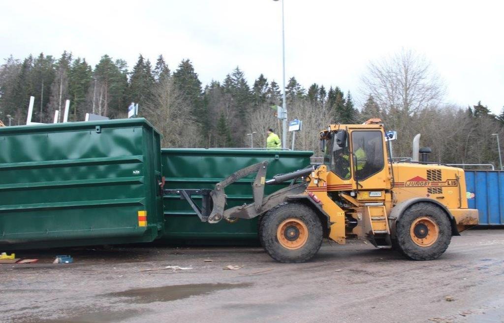 Tranåss Kommun- roterbar rangerkrok-rangering-Återvinningscentral-ILAB-container